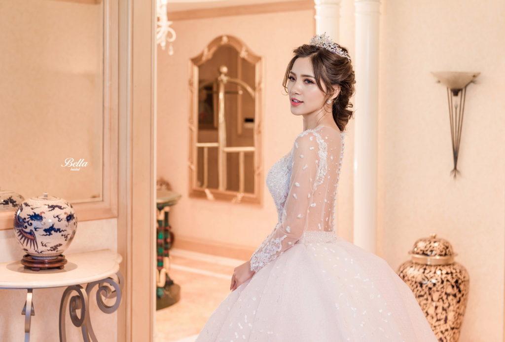 Album váy cưới xòe bồng