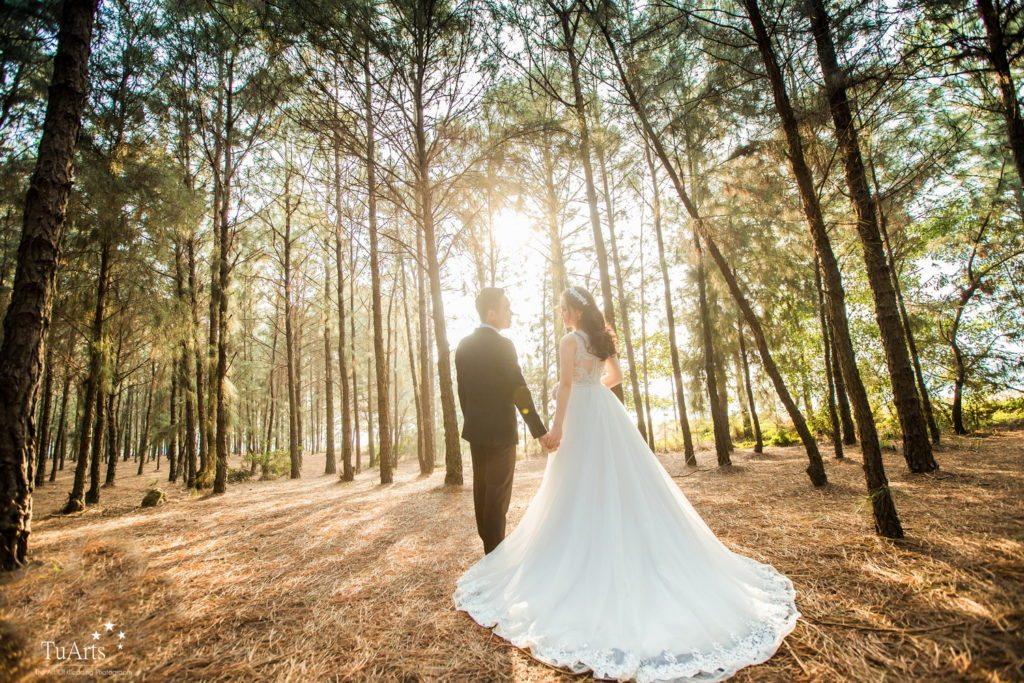Tạo dáng chụp ảnh cưới lãng mạn và mới lạ tại TuArts Nguyen 7