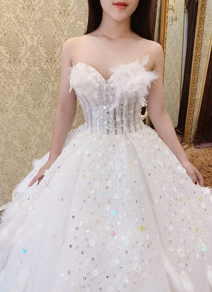 thuê váy cưới đẹp sài gòn