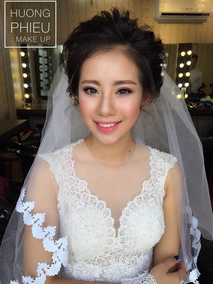 Cách chọn phấn nền trang điểm cô dâu 7