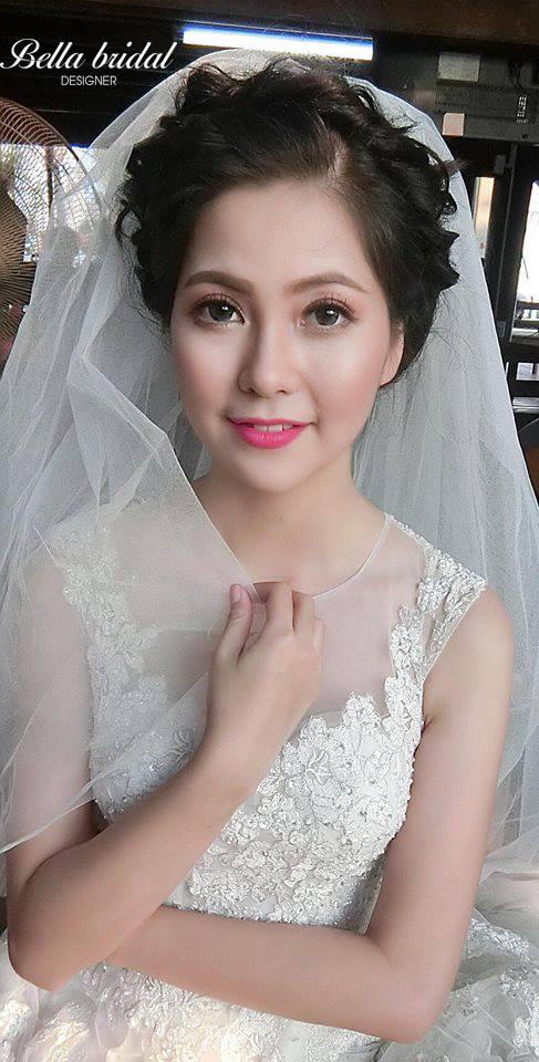 Cách chọn phấn nền trang điểm cô dâu 2