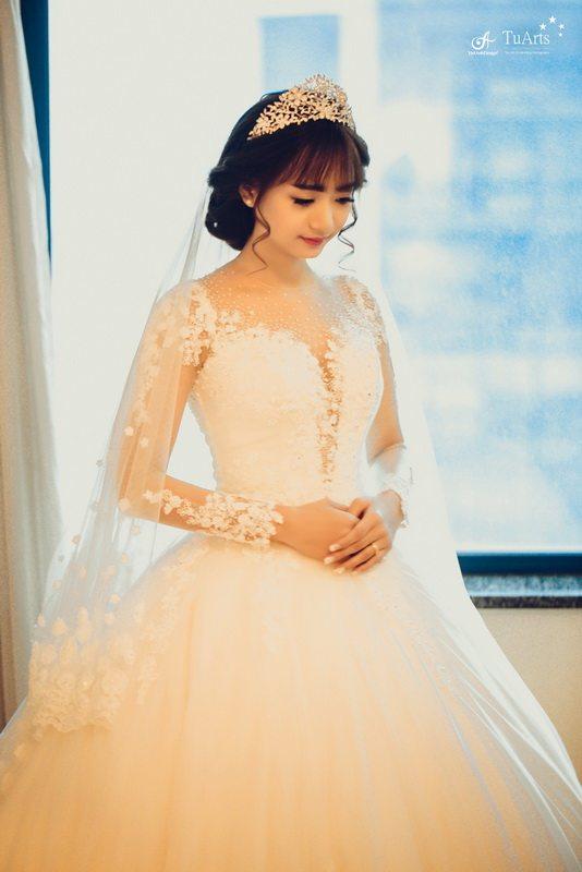Phong cách trang điểm cô dâu hiện đại, nhẹ nhàng 3