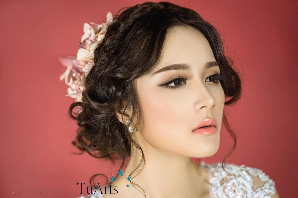trang điểm cô dâu đẹp