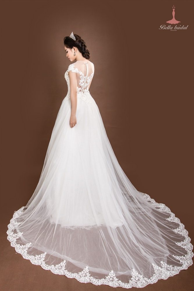 Kinh nghiệm chọn váy cưới đẹp ở Hà Nội 4