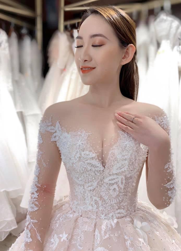 thuê váy cưới đẹp hà nội