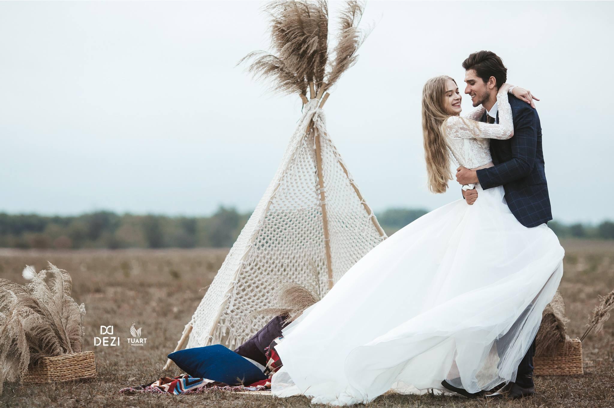 """Album chụp ảnh cưới """"Lạc giữa cánh đồng hoang"""""""