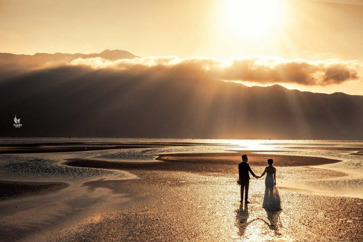 Album chụp hình cưới Hoàng hôn trên Lăng Cô