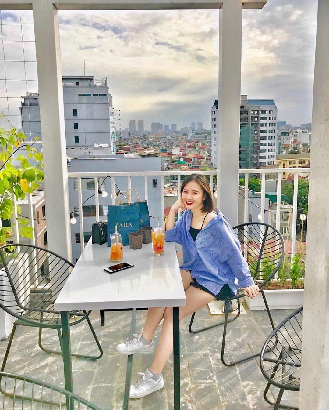 Thả hồn theo mây trời cùng 8 quán cà phê đẹp nhất ở Hà Nội với view 360 độ