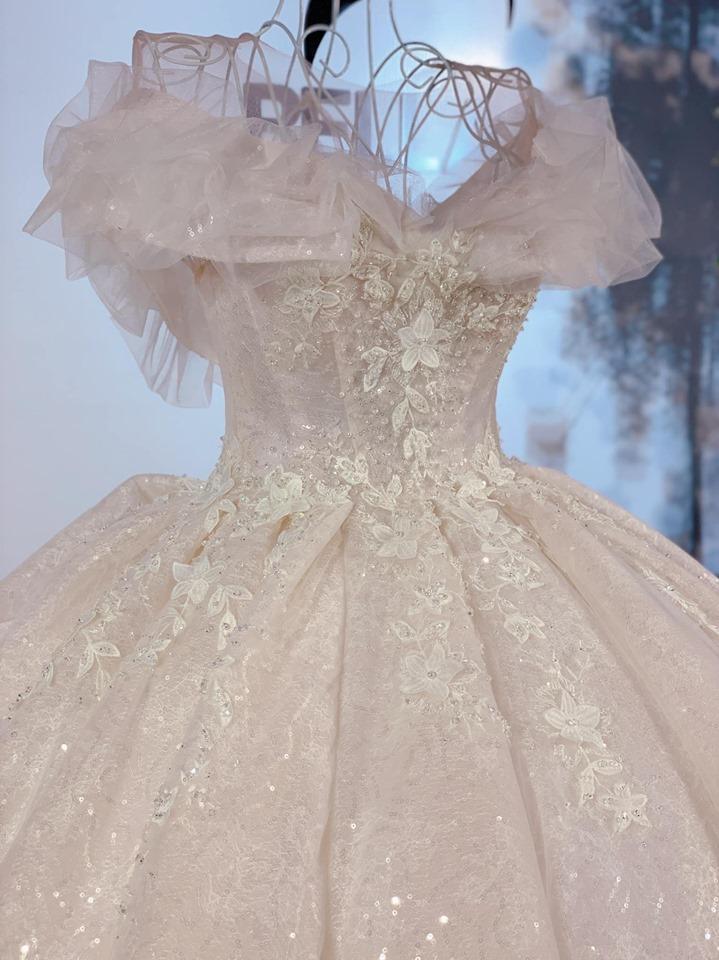 thuê váy cưới đẹp nha trang
