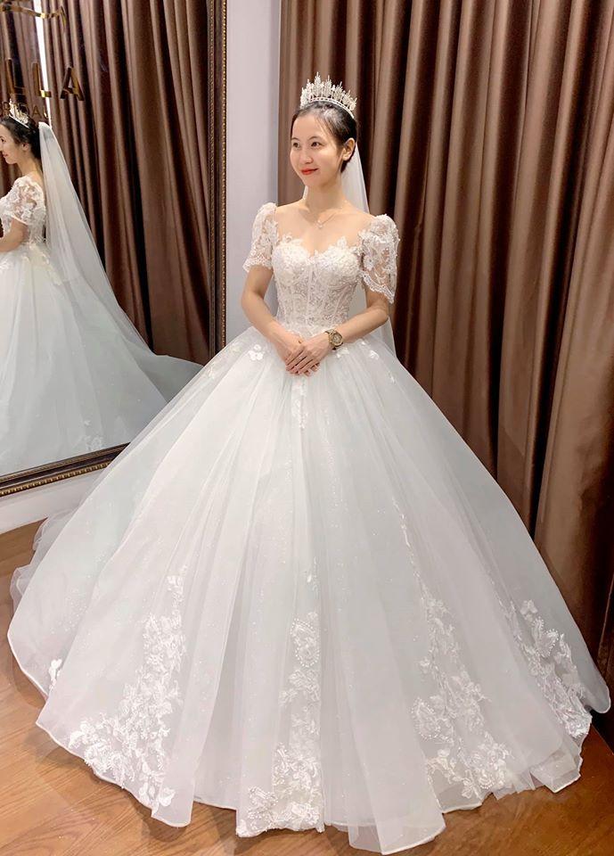 thuê váy cưới đpẹ nha trang