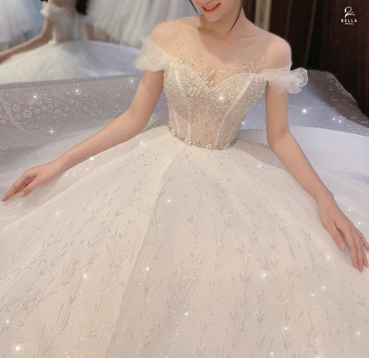 thuê váy cưới đẹp ninh bình