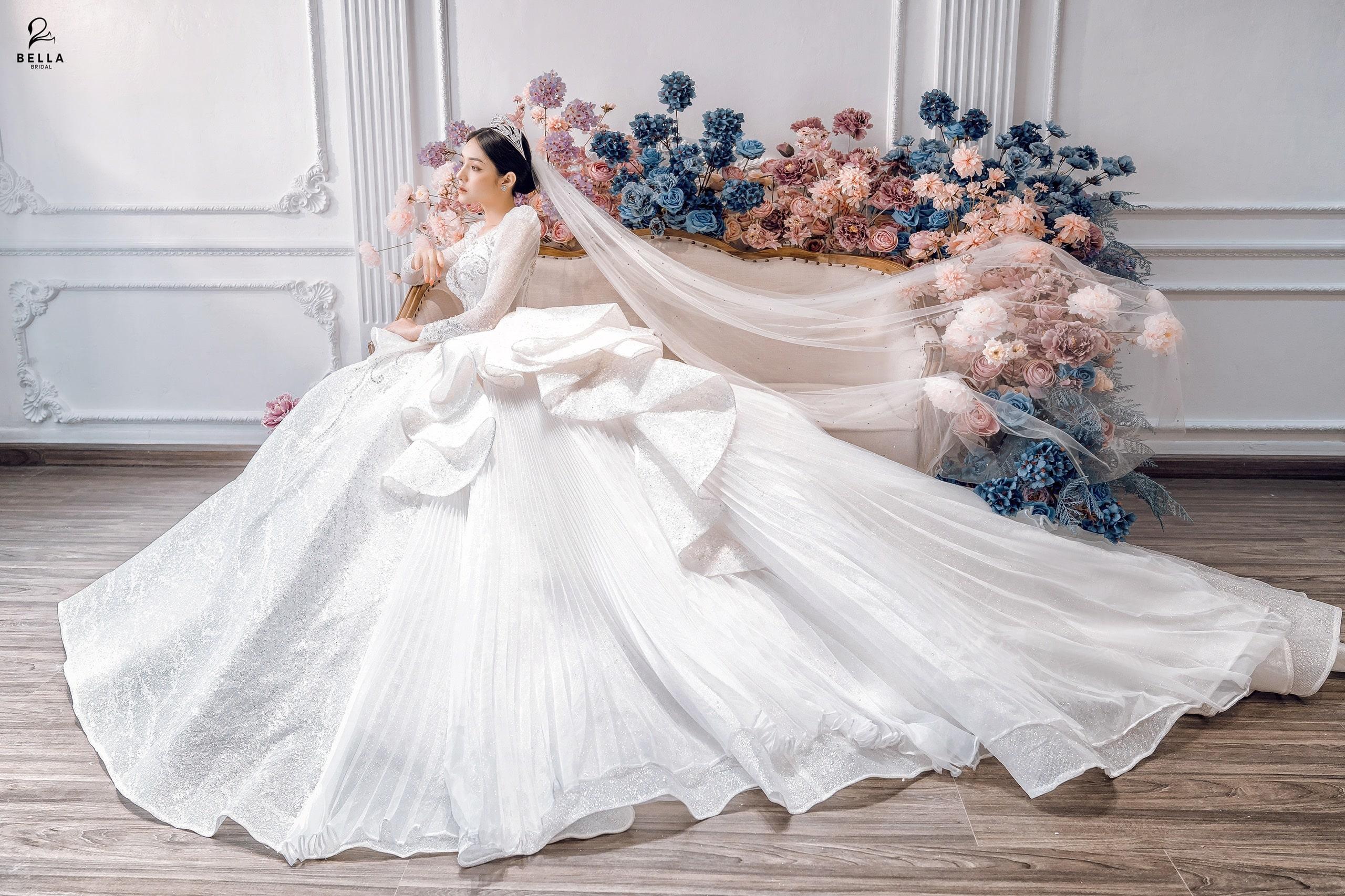 Xu hướng váy cưới đẹp nhất 2021